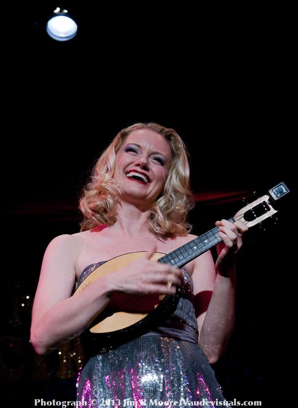 Juliet Jeske sings tawdry personal songs of love.