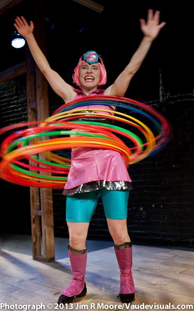 Miss Saturn hula hoops so brilliantly!