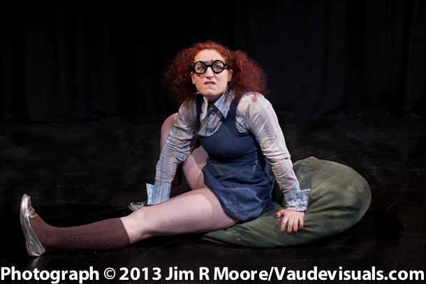 Adina Valerio as Agnes Olmstead