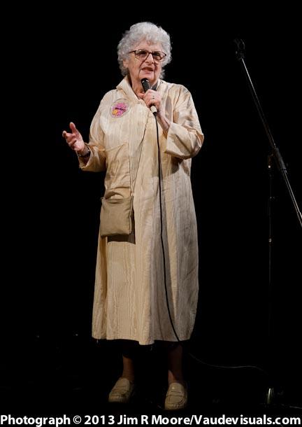 Barbara Como sings an Irving Berlin song.