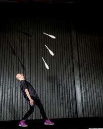 Emil Dahl - juggler from Sweden