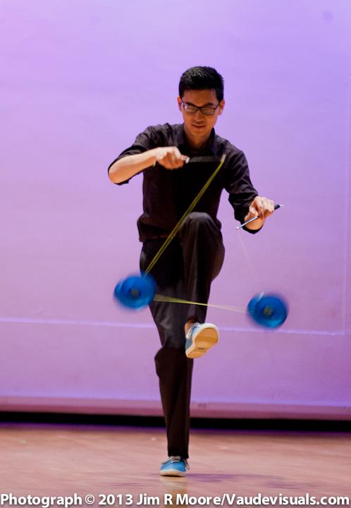 Robin Hu performs at JUGGLE THIS