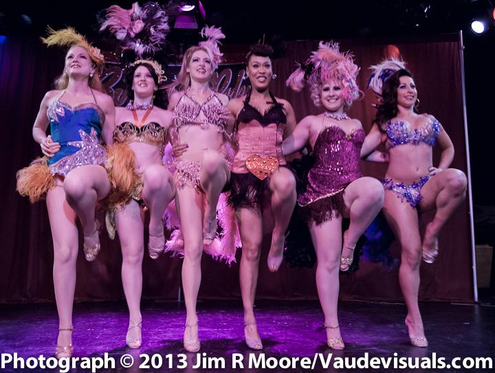 The Burlesque-a-pades chorus lineup.