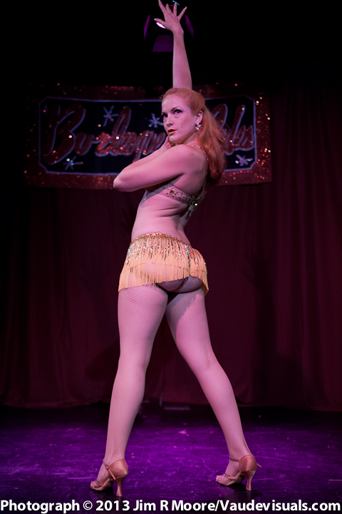 Pinkie Special performs her routine at Burlesque-a-pades.