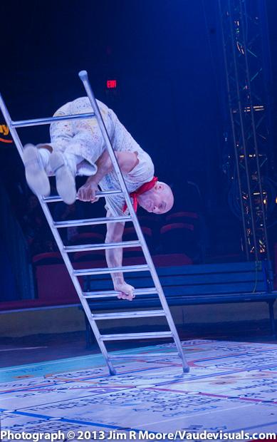 Daniel Cyr at The Big Apple Circus