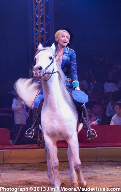 Jenny Vidbel performing at The Big Apple Circus