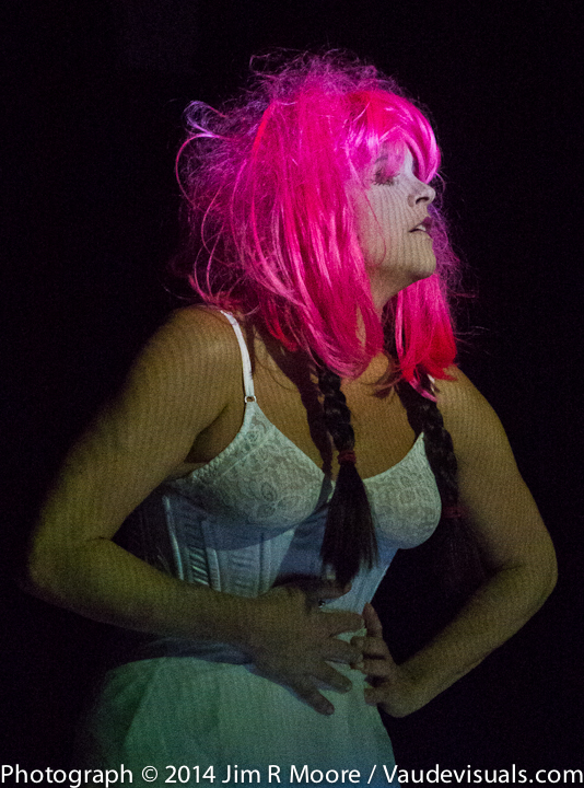 Gillian Chadsey in the wig during the #aspellforfainting
