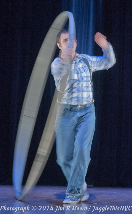 Mitch Lustig perforning at Juggle This