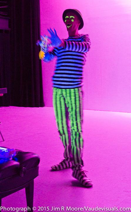 Yoyo genius Justin Weber performed with black light.