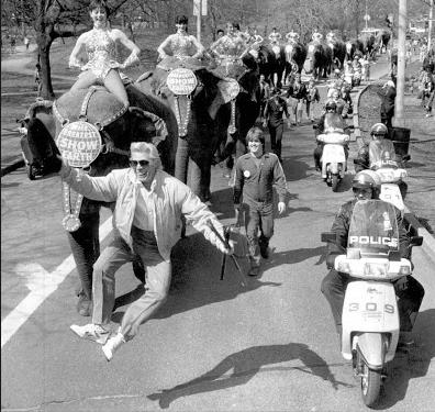 Gunther Gebel-Williams in parade
